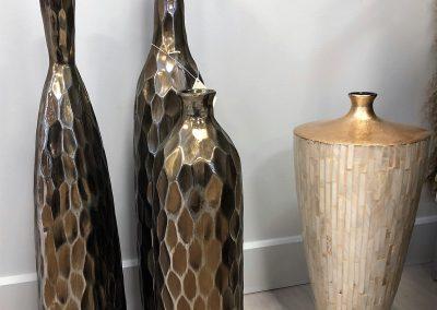 Vases dorés